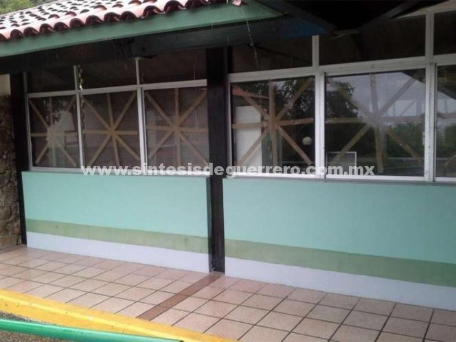 IMSS cierra guarderías en Nayarit, Puerto Vallarta, Jalisco, Sinaloa por 'Willa'