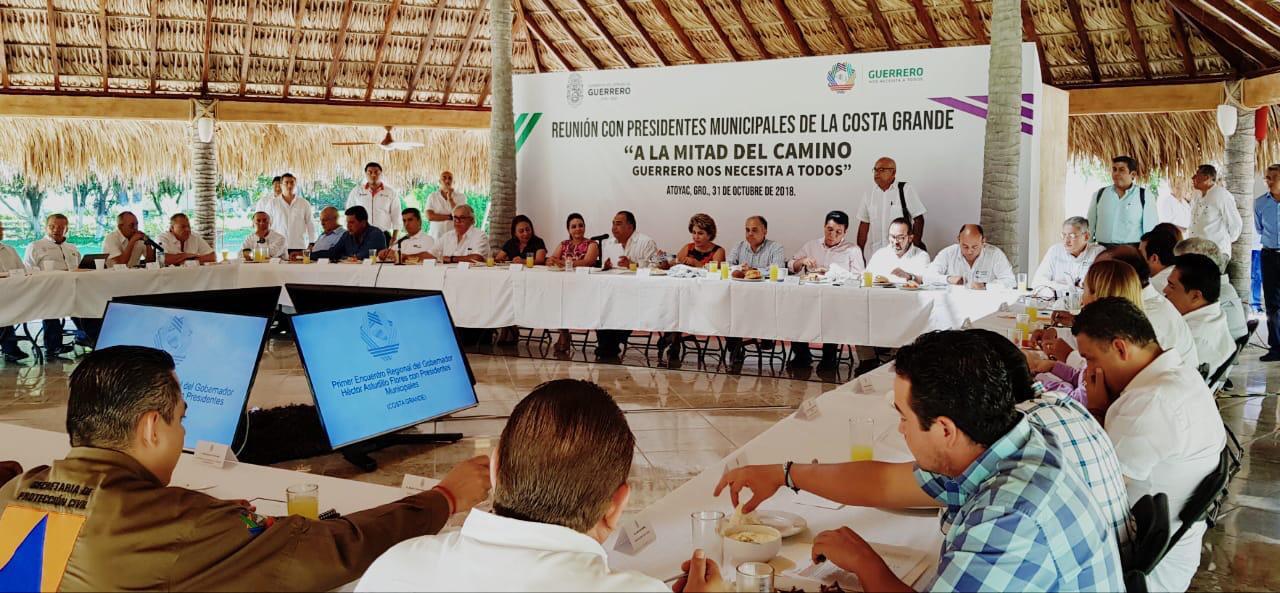 Astudillo Flores  y  presidentes municipales de la Costa Grande coinciden en trabajar  juntos a favor de  todos los sectores de la población.