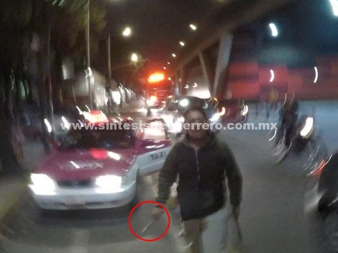 Taxista invade ciclovía e intenta agredir a ciclista con arma blanca