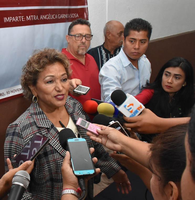 Confirma Adela Román cambios de funcionarios en su gabinete