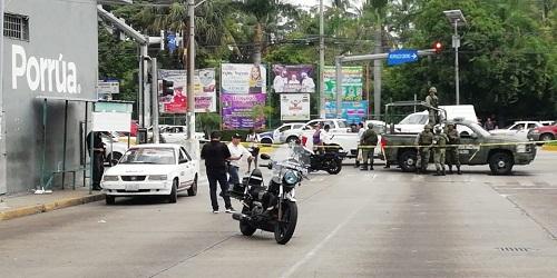 Acapulco: un taxista ejecutado, un hombre herido y un vehículo incendiado