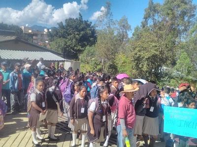 Padres de familia y alumnos anuncian para hoy cierre de carretera en la Montaña