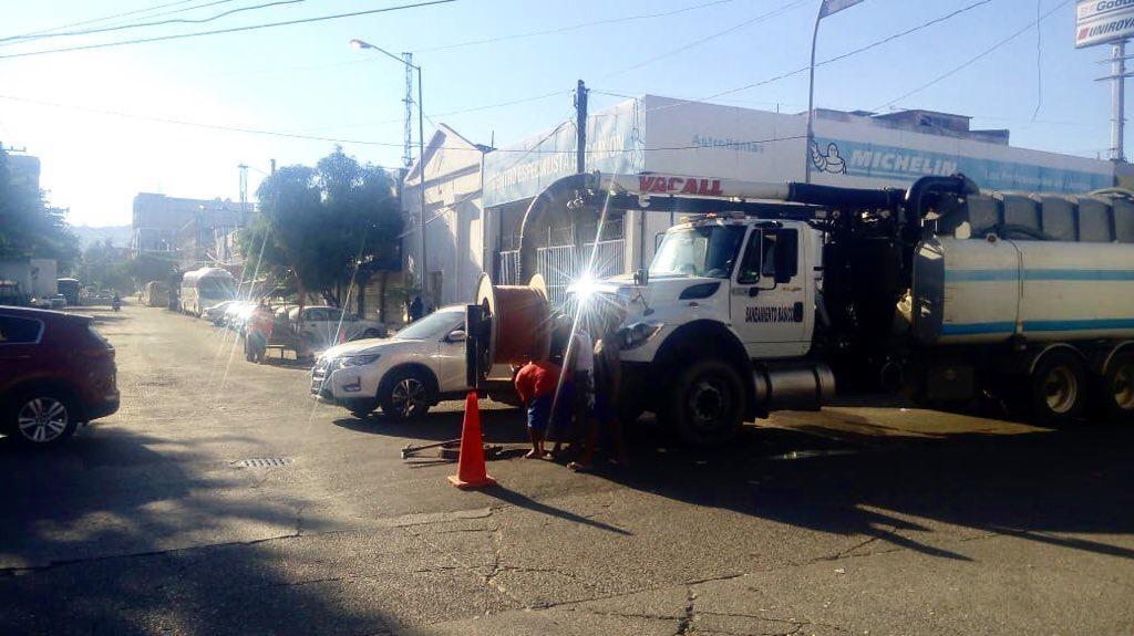 Atiende gobierno de Guerrero  desazolve del colector sanitario en Acapulco .