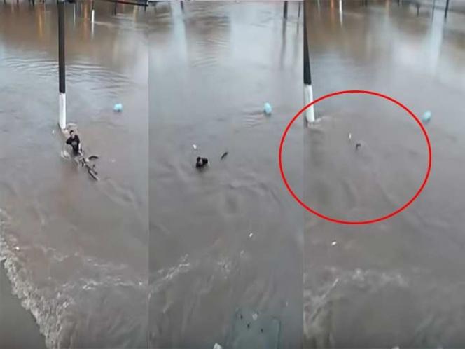 Ciclista se niega a soltar su bici y muere en inundación