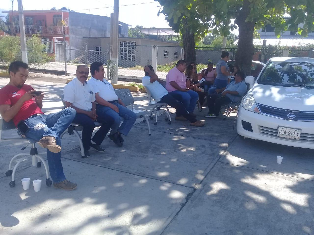 En Costa Grande, trabajadores de Sagarpa inician paro laboral