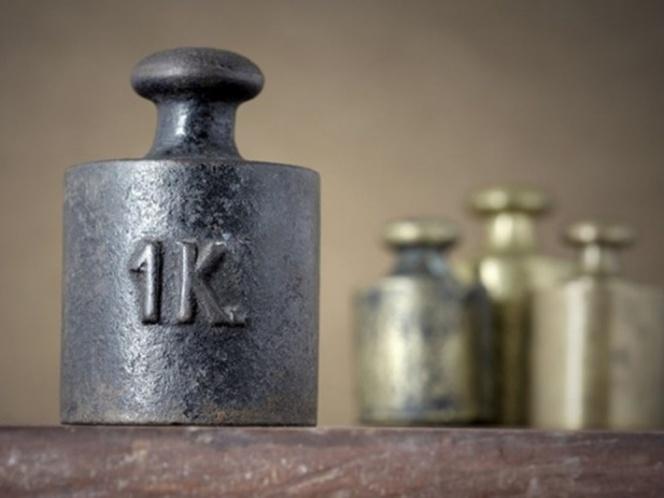 ¡Es oficial! El kilogramo ya no pesará un kilo