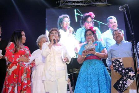 Clausura Adela Román el Festival Internacional la Nao Acapulco