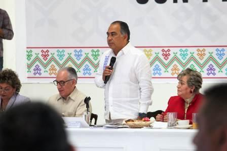 Se reúne el gobernador con los alcaldes y diputados para construir una propuesta de presupuesto para el ejercicio fiscal 2019