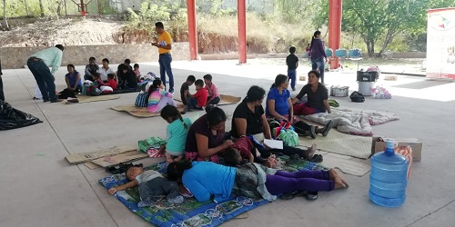 Pobladores de Tlaltempanapa, Guerrero, caminaron 48 horas para salvar sus vidas
