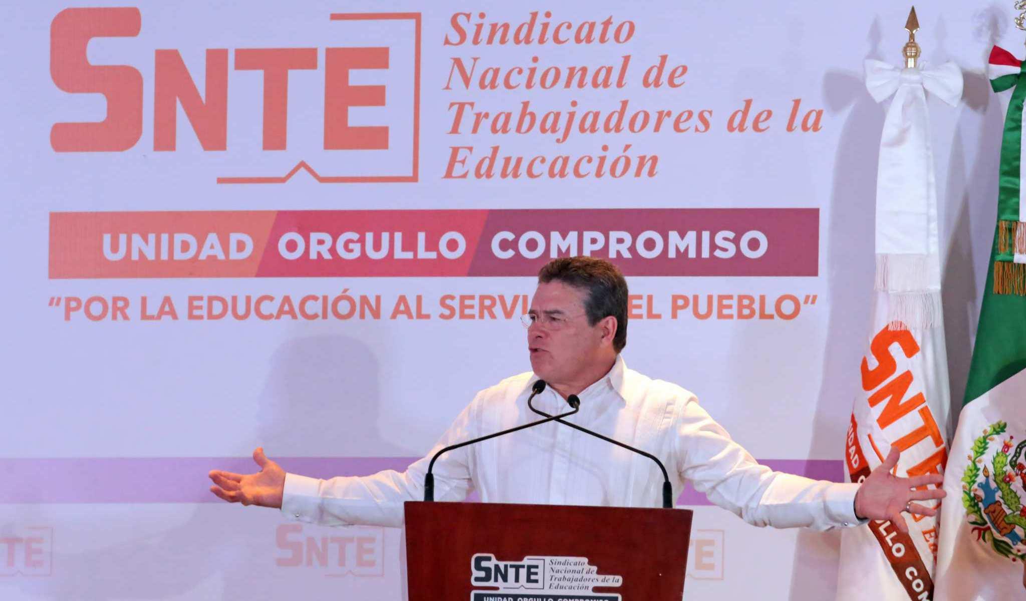 Juan Díaz pide licencia para dejar dirigencia del SNTE; ¿alguien dijo Gordillo?