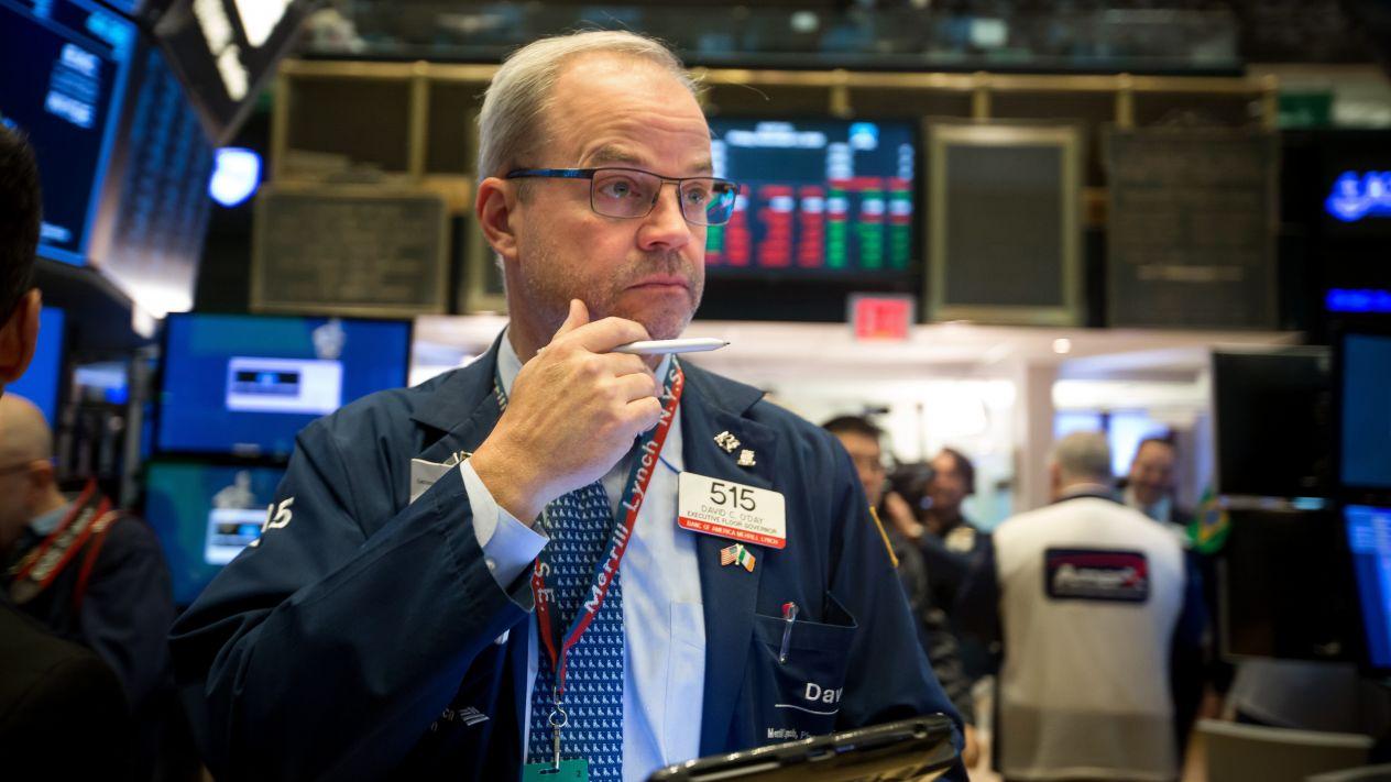 Tecnológicas y conflicto de EU con China tiran a Wall Street