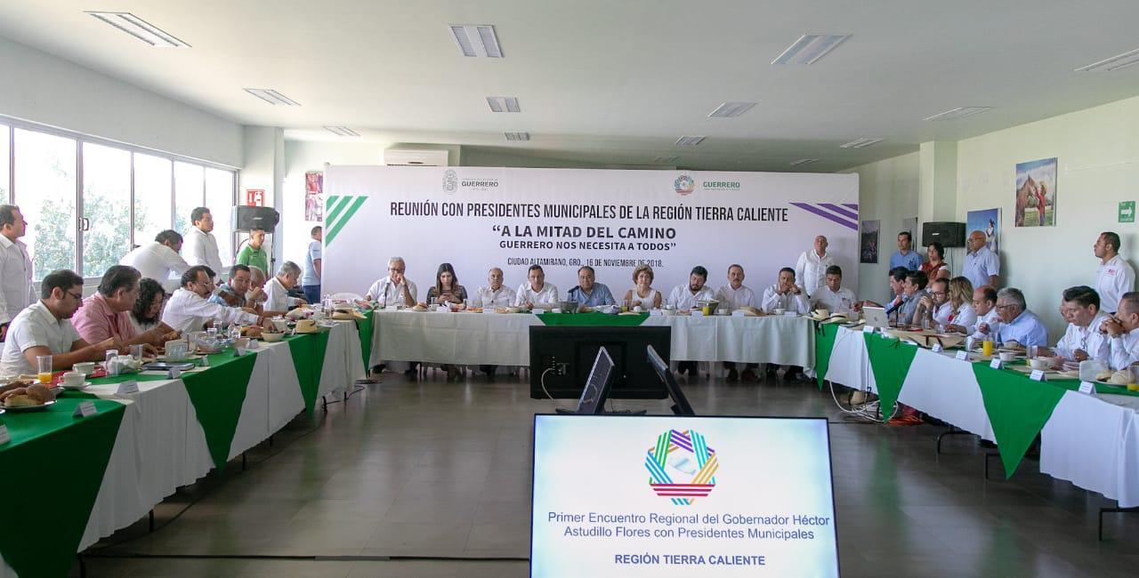 Los nuevos alcaldes de Tierra Caliente,  dan su respaldo  al gobernador Astudillo  para detonar el desarrollo en la región.  #TierraCalienteNosNecesita