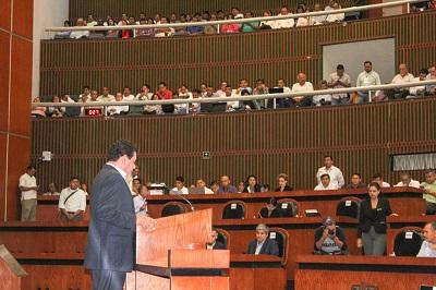 Comparece titular de la Secretaría de Finanzas y Administración estatal ante integrantes del pleno del Congreso 63 Legislatura de Guerrero