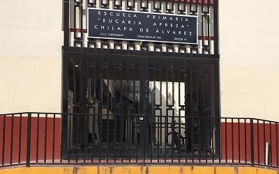 Hay 16 escuelas cerradas en Chilapa, por amenazas en redes sociales