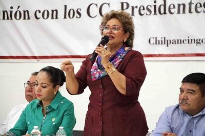 """(Video) """"Combatiendo el hambre se hará frente a la delincuencia"""": Adela Román"""