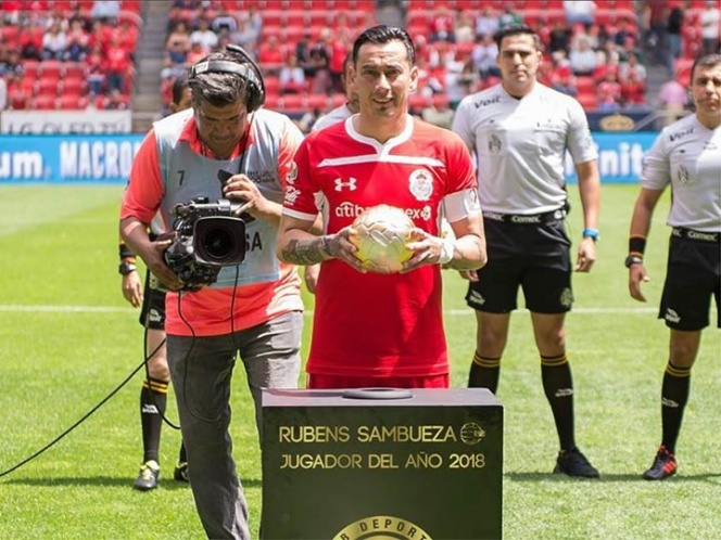 Sambueza pide salir del Toluca
