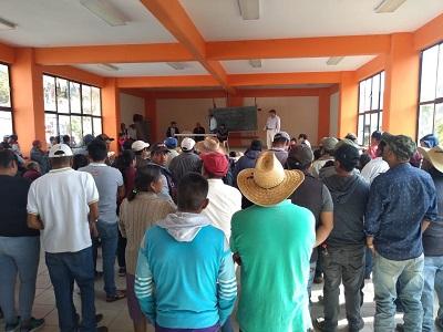 Familias desplazadas tienen vínculos con el narco: comisarios de la Sierra