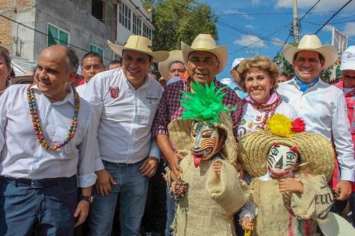 Celebran miles el Paseo del Pendón en Chilpancingo; una fiesta de color y algarabía