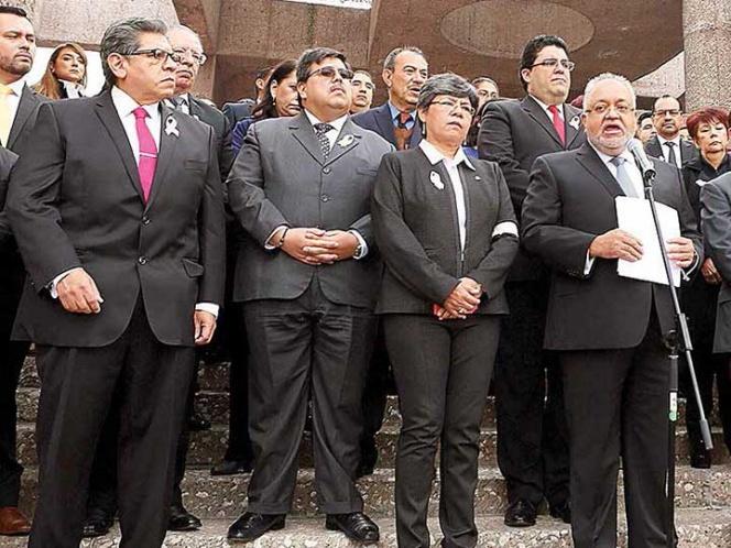 Escala pleito entre Poderes; inédito: protestan jueces de todo el país