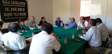Analizan diputados locales gratuidad de educación superior en Guerrero
