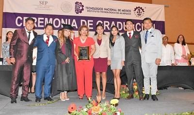 (Video) Apadrina Adela Román generación del Instituto Tecnológico de Acapulco