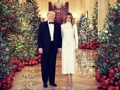 Donald y Melania Trump se toman la foto oficial por Navidad