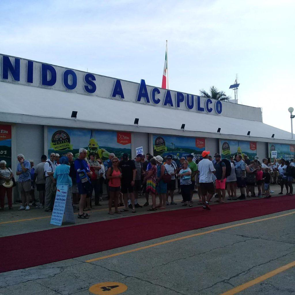 """Arribó el Crucero """"Norweigan Star"""" con 2 mil pasajeros al Puerto de Acapuco"""