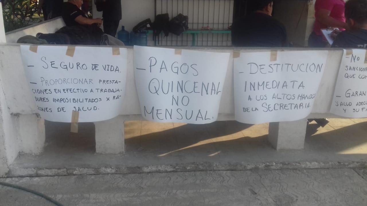 Tercer día de protestas en el Ayuntamiento de Atoyac