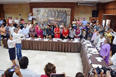 Designa Cabildo a secretarios deFinanzasy Desarrollo Económico en Acapulco