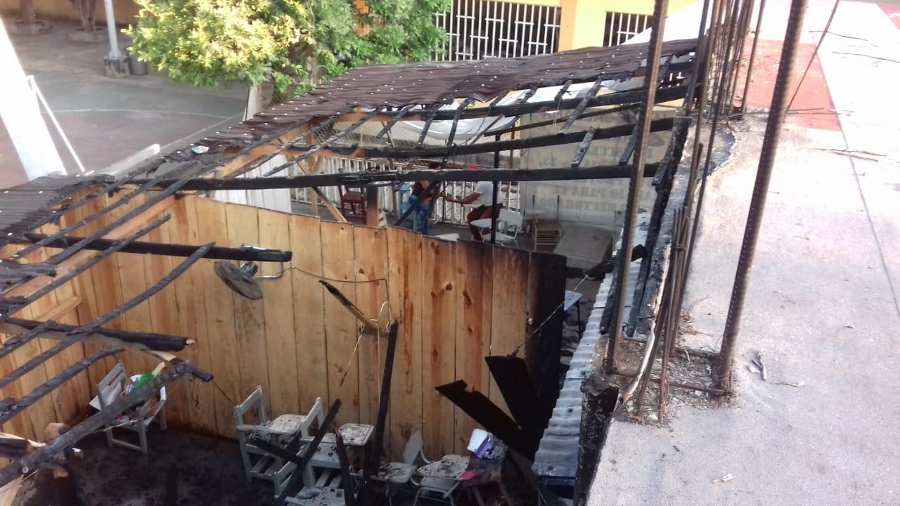 Se incendian aulas provisionales en Atoyac