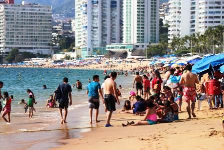 Ixtapa al 90% y Acapulco al 85% de ocupación hotelera