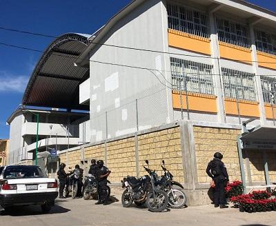 Escuelas de Chilapa no inician clases, pese al llamado del Gobierno