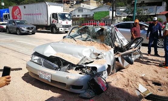 Cuatro heridos deja un accidente en el boulevard de Chilpancingo
