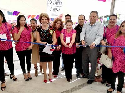 """Inaugura Mercedes Calvo el Tercer Festival Artesanal """"Por Amor a Guerrero, Compra lo Nuestro"""""""