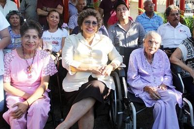 Conmemora Adela Román el 104 Aniversario Luctuoso de Nicolás Román Benítez