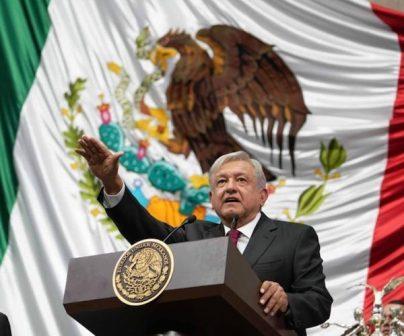 López Obrador: México estrena presidente