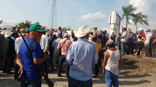 Comunidades de Tecpan conforman autodefensa contraria a la de UPOEG