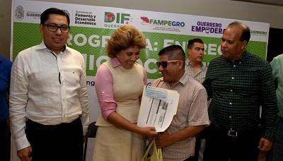 En Guerrero, impulsamos proyectos productivos para generar empleo: Mercedes Calvo