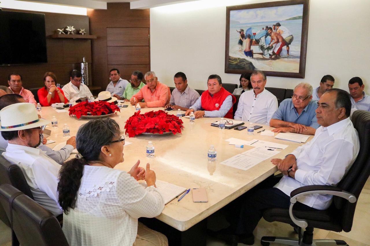 Héctor Astudillo Flores atendió a organizaciones campesinas inconformes con el Presupuesto de Egresos 2019