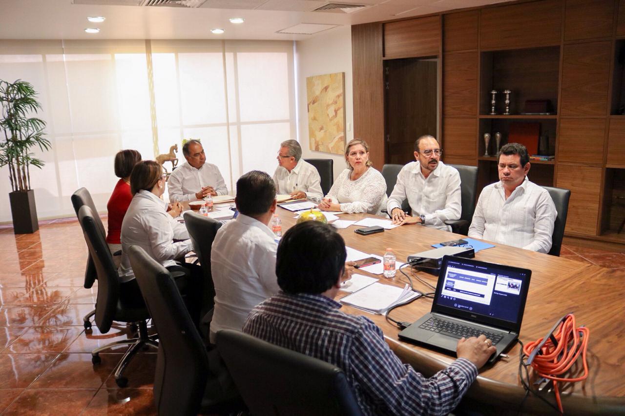 Evalúa el gobernador Héctor Astudillo indicadores de salud y abasto de medicamentos en Guerrero