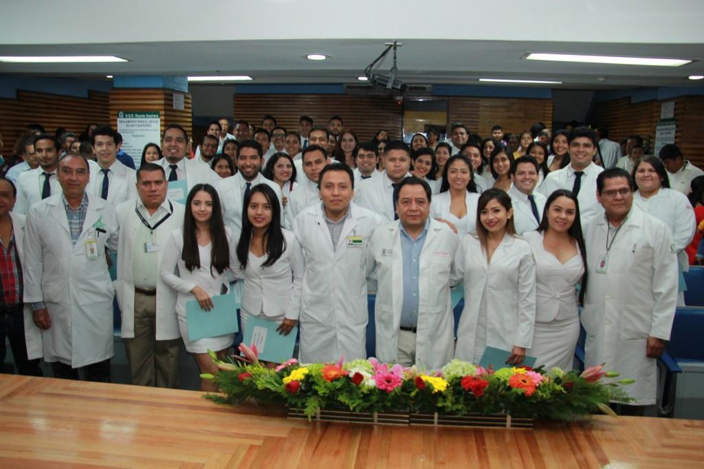 Egresan Médicos internos del Hospital General Regional No. 1 del IMSS en Acapulco