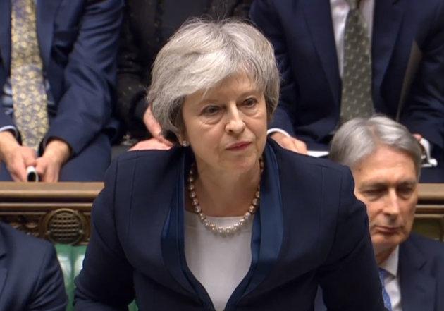 Theresa May sufre derrota masiva de 'brexit': Parlamento rechaza acuerdo con la UE