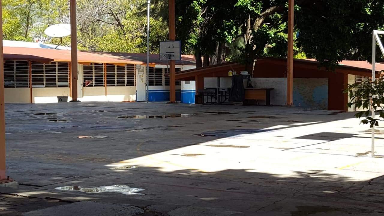 Probable brote de hepatitis en escuela ubicada dentro de la Zona Militar de Chilpancingo