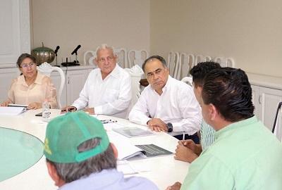 Dentro de las posibilidades del gobierno, se continuará apoyando a organizaciones campesinas: Astudillo Flores