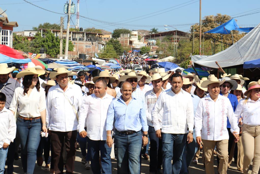 El senador Manuel Añorve acude a la inauguración de la Expo Feria 2019 en Arcelia, invitado por el presidente municipal Adolfo Torales