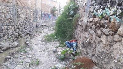 Localizan a un joven sin vida en una barranca del Centro de Chilpancingo