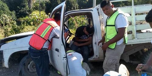 Accidente vehicular en Tecpan deja tres personas lesionadas
