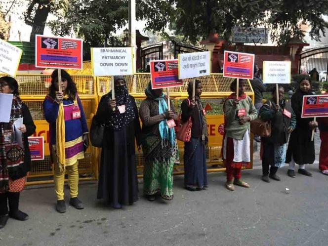 Cientos de mujeres protestan en India por igualdad de género