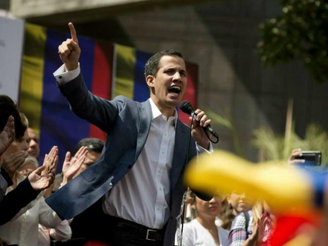 Líder opositor se autoproclama 'presidente encargado de Venezuela'