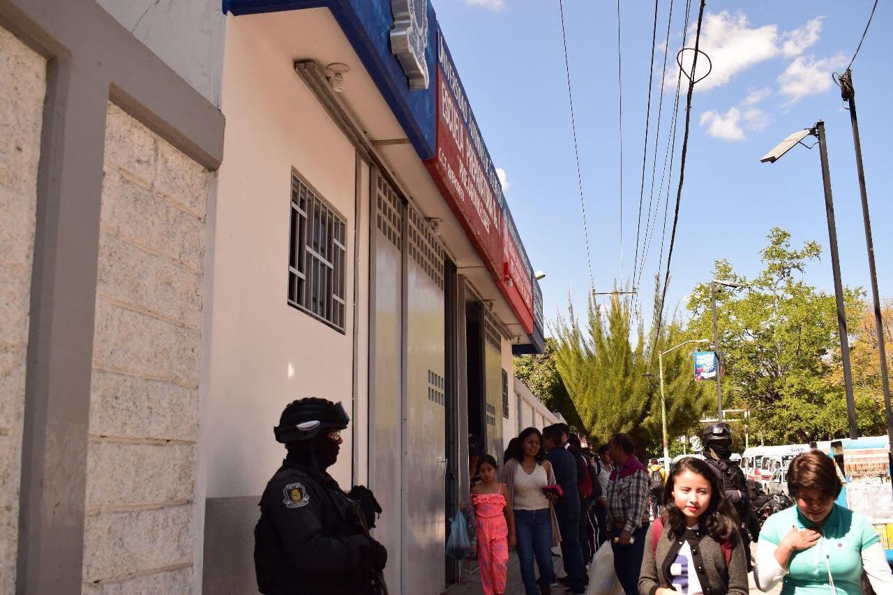 Irrumpe hombre armado en prepa de la UAGro en Chilpancingo; causa movilización policíaca